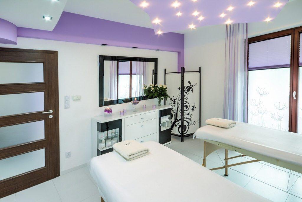 Salon ceiling design