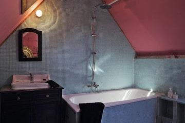 Bohemian bathroom style