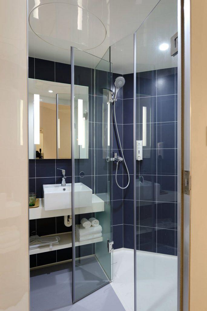 Bathroom Interior Glass Door Ideas