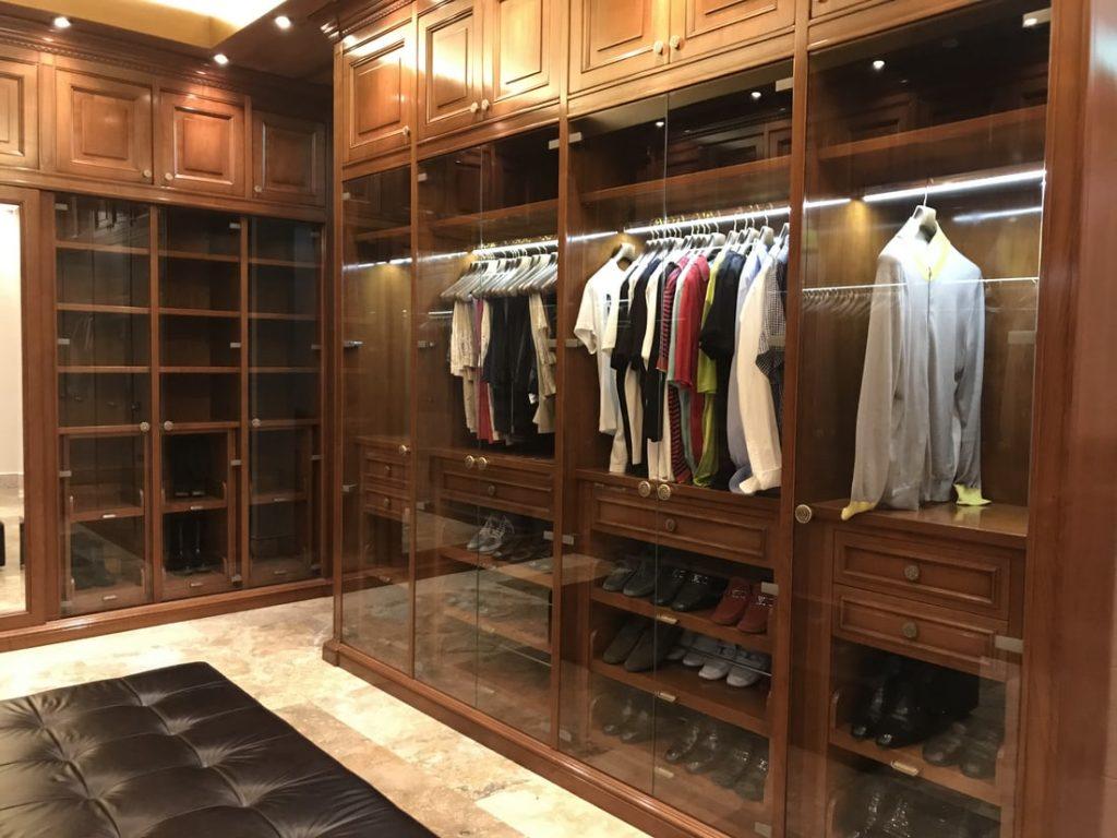 Wardrobe Doors Extending from Floor to Ceiling